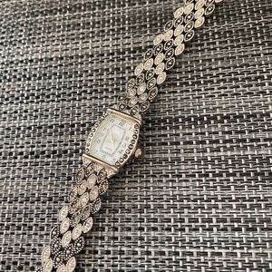 Accessories - 🎊3/$10🎊Silver Tone Marcasite Jewelry Watch